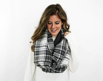 Blanket Scarf Reversible, Infinity Scarf, Plaid Flannel Black White