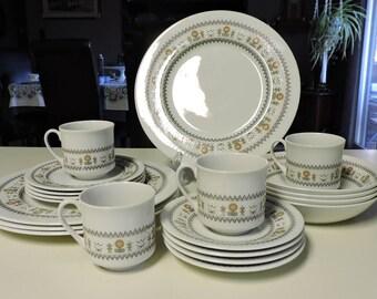 Royal Doulton KIMBERLEY Dinnerware 20pcs Cups Saucers Plates Bowls TC1106