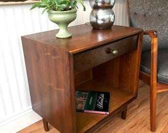 Mid Century Side Table, Parallel End Table by Barney Flagg for Drexel, Danish Modern Walnut Nightstand, One Drawer Table, Drexel Parallel
