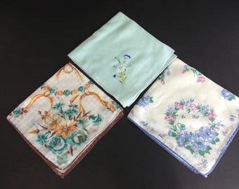 Vintage Handkerchief Set of 3 / floral print flowers retro hanky hankies 50s 60s