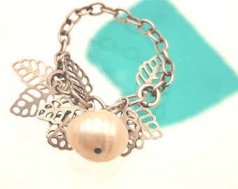 """ring """"HUAHINÉ"""" Pearl cultured White Pearl on silver chain and """"foliage"""""""