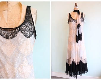 Vintage 1920's Scaled Lace Dress | Size Small