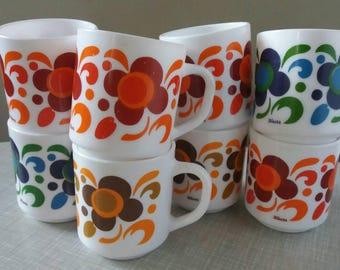 2x4 pieces, Arcopal mug, Arcopal Lotus, Arcopal Coffee, Arcopal soup, Arcopal, Arcopal Knorr, Pyrex Coffee, camping, 70s cuisine, 70s