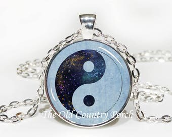 Yin and Yang-Glass Pendant Necklace/Graduation gift/mothers day/bridal gift/Easter gift/Gift for her/girlfriend gift/friend gift/birthday