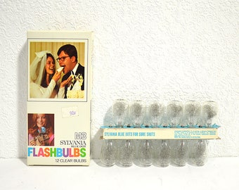 Sylvania Blue Dot M3 Flash Bulbs- 12 Pack Unused Clear M3 Flashbulbs in Original Packaging, Blue Shot for a Sure Shot!