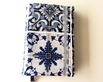 "Portuguese tiles adjustable 9""x6"" fabric bookcover; Handmade book holder; Travel book protector; Teacher's gift; booklovers christmas gift"