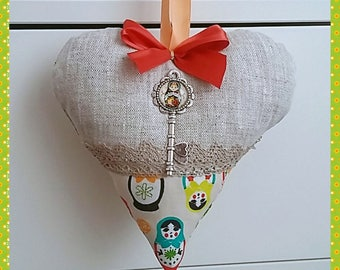 "Pretty heart ""matryoshka"" linen and fabric from 18 cm to offer where to hang."