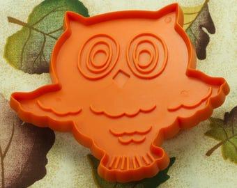 1973 Dark Orange Plastic Hallmark Owl Cookie Cutter
