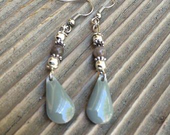 Earrings drops grey enamel