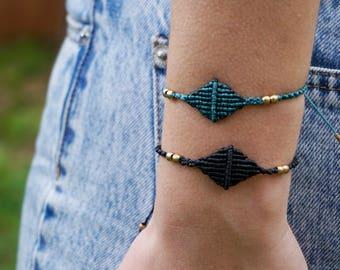 Diamond shaped macrame bracelet - geometric, minimal style!