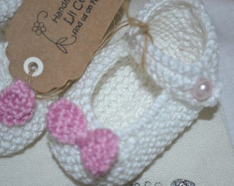 Knitted Baby Shoes, Baby Shoes, Baby Mary Jane Shoes, Knitted Shoes, Hand knitted Shoes, Mary Jane Shoes, Baby Mary Jane