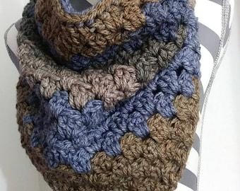 Triangle Scarf,Triangle Cowl, Chunky Cowl, Winter Scarf, Chunky Cowl,  Crochet Cowl , Crochet Scarf