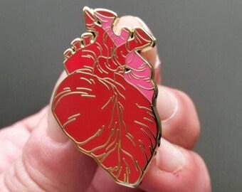 Anatomical heart enamel pin 38mm