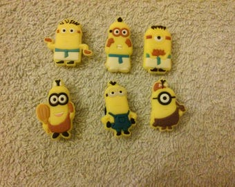 Lot 6 jibbitz Minions (badges for fangs)