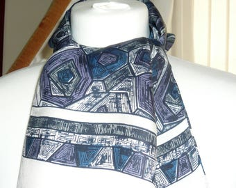 1960's Vintage Blue and White Patterned Scalf