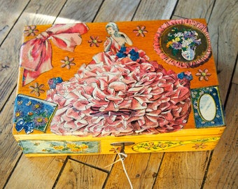 """Old wood box white """"Marquise"""" with collages papers 1930"""