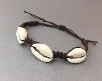 Cowrie shell bracelet macrame