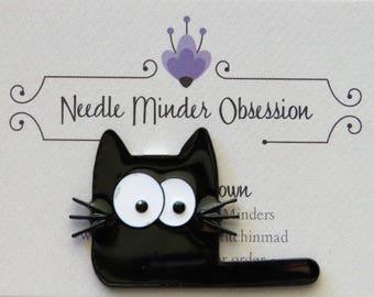 Cartoon Cat Needle Minder