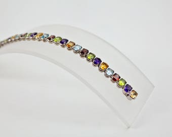 Silver bracelet with Gemstones