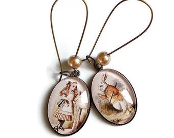 Earrings * Alice and the White Rabbit * style retro vintage glass cabochon
