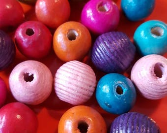 Vintage beads wooden beads . Jewellery making . Craft. Haberdashery