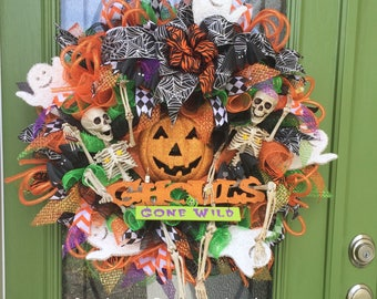 Halloween Wreath, Skeleton Wreath, Ghouls Gone Wild, Skeleton Decoration, Skeleton Door Decor, Halloween Decor, Halloween Door Decoration