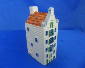 Royal Goedewaagen House P155  Polychrome canal house spirit bottle from the Prinzengracht series Number P155