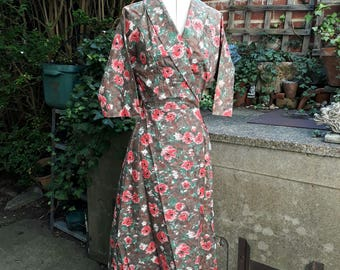 Crisp cotton vintage 1950's floor length house coat/robe size 10/12