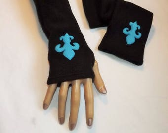 Fleur de lis Black Fleece mittens thick warm and soft stretchy magical Sanlivine
