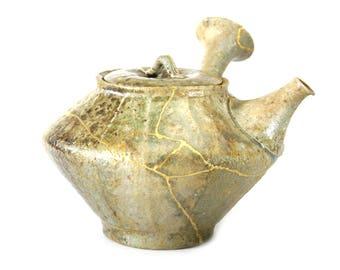 kyusu tokaname  teapot Kintsugi tea ceremony gold Urushi kintsukoroi japan