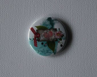 Paris - Flat Badge or PIN or magnet