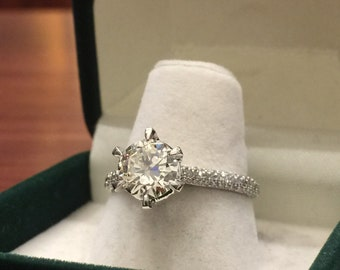 1.61ct Diamond Solitaire with Accents Ring in 18K Gold. Total weight: 2.41ct.