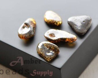 Amber stones for Jewelry making, Polished amber, Baltic Amber beads, 5 pieces. 0446/2