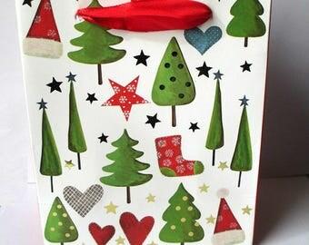 1 pocket, White Christmas gift bag has 12 tree x 15 5x6.8cm