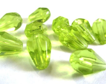 10 pearls drop faceted green light 11x7x7mm