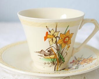 Vintage J&G Meakin 'Sunshine' English Cup and Saucer, Art Deco Style, Daffodil Decor