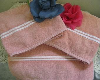 Tastemaster by Stevens Three Piece Vintage Towel Set ~~  Peach J P Stevens & Co Vintage Towels Set