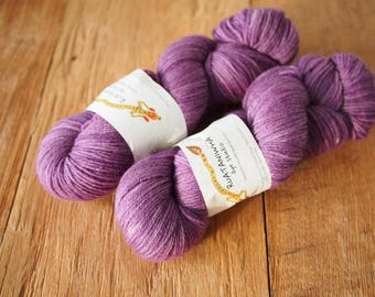 NZ LAMBSWOOL 4ply hand-dyed yarn Pansy