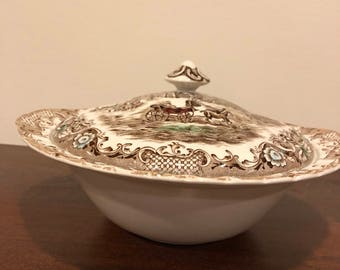 FREE SHIPPING-Johnson Brothers-Heritage Hall-Staffordshire -England-Covered Vegetable /Casserole Bowl