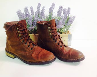 VINTAGE ANN TAYLOR,,Brown Leather Distressed Granny Boots