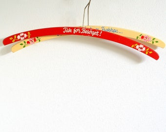 Vintage clothes hangers pair.Hand Painted flowers.Storage Closet Organizing.Pair of hangers.Hall entryway decor.Home decor.Coat hangers