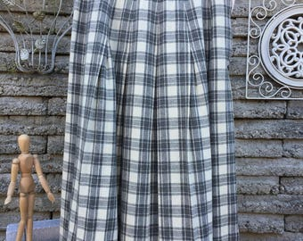 Vintage 1950's Gray and Cream Plaid Skirt * XS