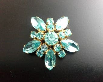 Vintage Pale Blue Crystal Glass & Gold Tone Star Brooch