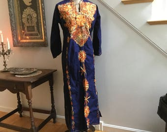 Vintage 1970s Embroidered 3/4 Sleeve Kaftan Caftan Navy Blue Orange Yellow Hippie Ethnic Floral Leaves Tunic Dress Cover Up