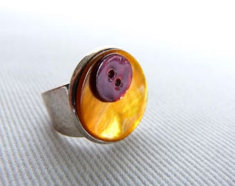 Adjustable silver ring in orange and plum Pearl buttons