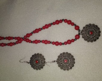 red oriental necklace and earrings