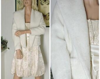 White faux fur jacket / size S / M / 70s vintage cropped fake fur coat / 1970s faux fur jacket / SunnyBohoVintage
