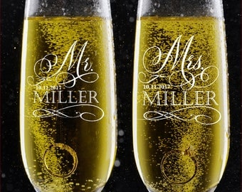 Set of 2, Personalized Wedding Toast Champagne Flutes - Mr. Mrs. Date & Last Name Champagne Wedding Glasses - Engraved Flutes - DSG #17
