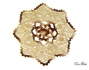 Small Brown and Ecrù crochet doily, centrino piccolo marrone ed ecrù all'uncinetto