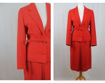 Exquisite Pillar Box Red wool blazer skirt suit very 1940's Look